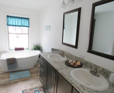 8-Montgomery 2.0, Ranch Modular Home, Master Bathroom
